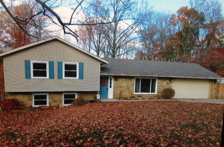 Nice Tri Level Home near IU Stadium/Assembly Hall - Ellettsville - Huis