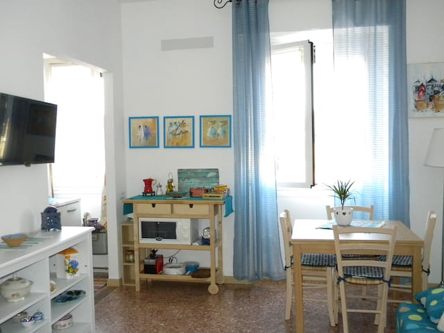Lovely flat close to Central Station - Milano - Flat