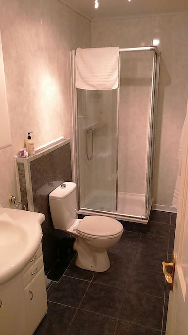 All rooms have power showers or large bath