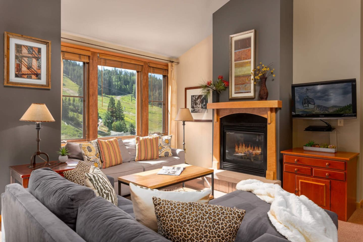 Welcome to Zephyr 2503 - an updated base area condo with thoughtful details and plenty of room