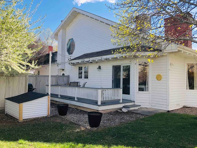NEWLY REMODELED - COTTAGE AT WHITE LILY RANCH