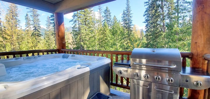 Sleeps 8 | Private Hot Tub | BBQ | Close to Trails