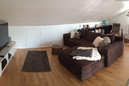 Zimmer in moderner WG in Biel B - Biel