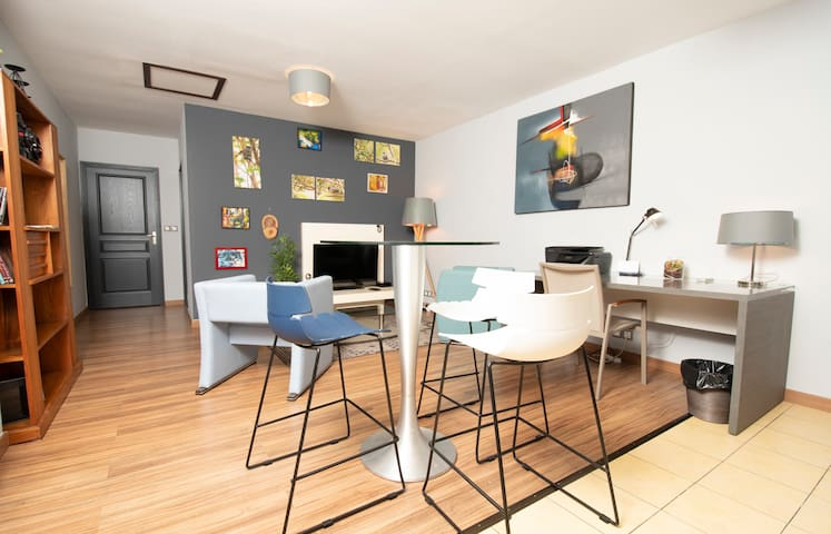 T3 Sweet'Home 3 *** 55m2 Renovated with view - 3 'from the airport