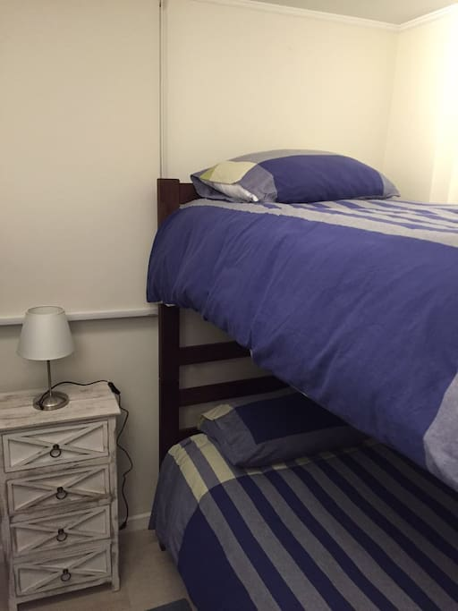 Dormitorio .
