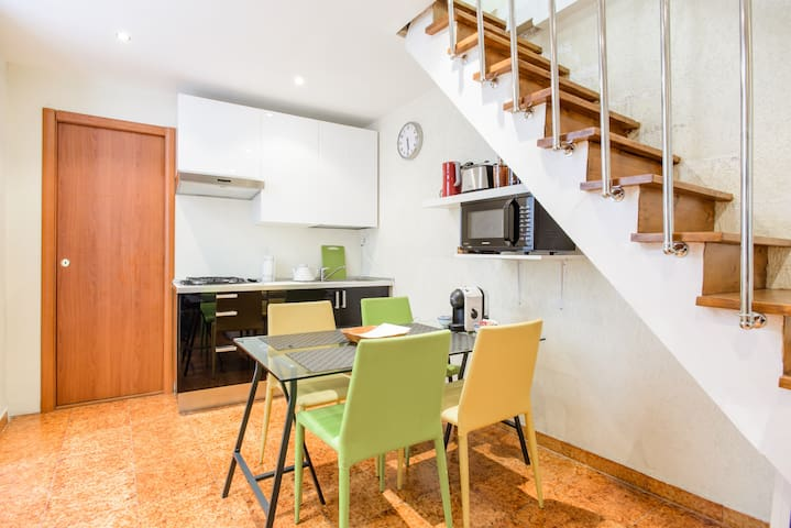 Central 2-floor loft apartment NAPLES CITY CENTRE