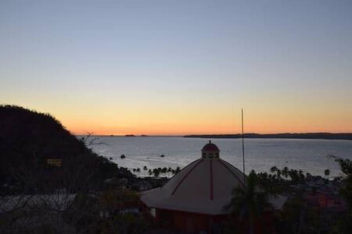 La Manzanilla Luxury Hillside Casita & Pool