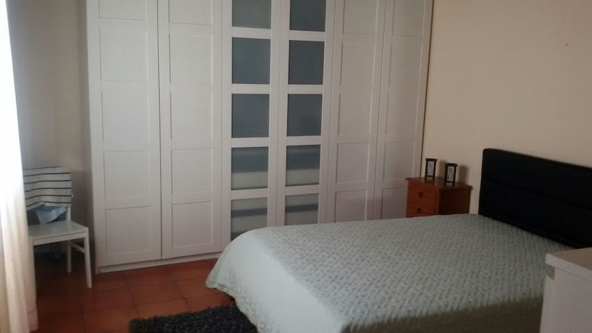 Ribeira Grande Surf House & Hostel