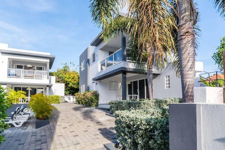 Beluga Apartments Curacao | 4P Luxury | Patio #9