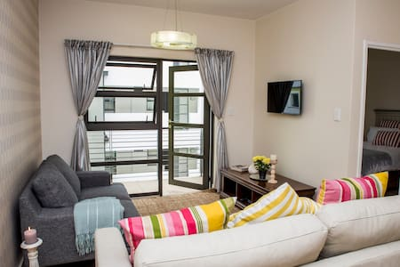 2 cozy bedrooms with en-suite bathroom