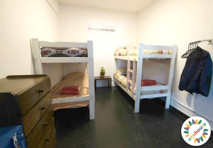 Eco House - Habitación Giordano Bruno - 3 camas