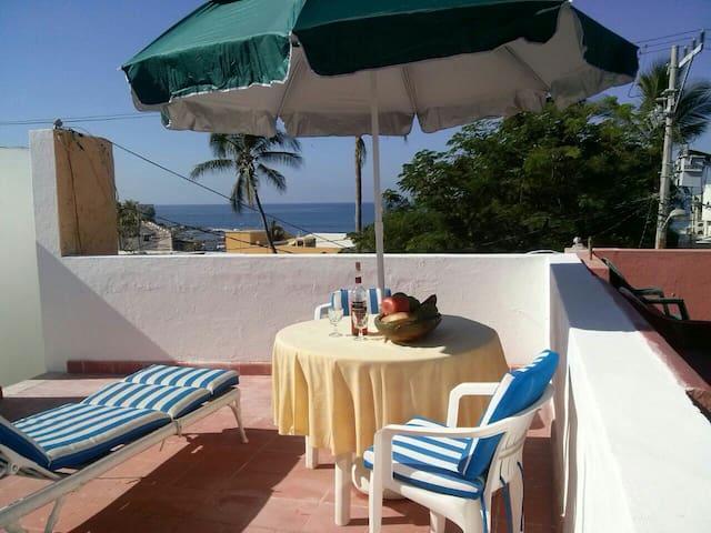 Habitación acogedora con vista al mar•