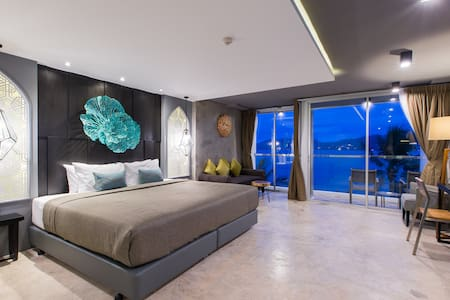 ► K Design Deluxe Double Room with FULL sea view - Patong