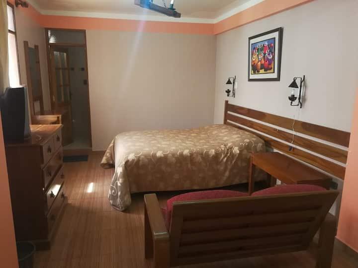 Estudio cama grande, baño, wifi, Desayuno, Ca-Tv14