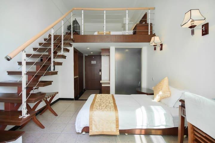 三亚湾阳光海岛海边度假公寓+416阁楼复式家庭房(3人间)1晚(离海近+生活交通方便) - Sanya - Appartement