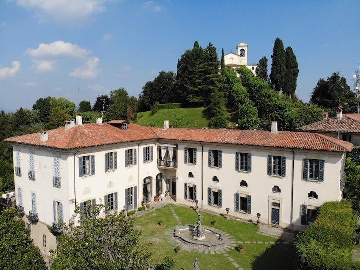 Villa Agnesi between Milan, lake Como and Bergamo