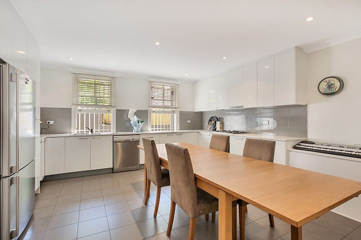 Tranquil 2bed apartment in Double Bay - Double Bay - Lägenhet