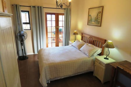Gansbaai Central: Cozy self-catering apartment!