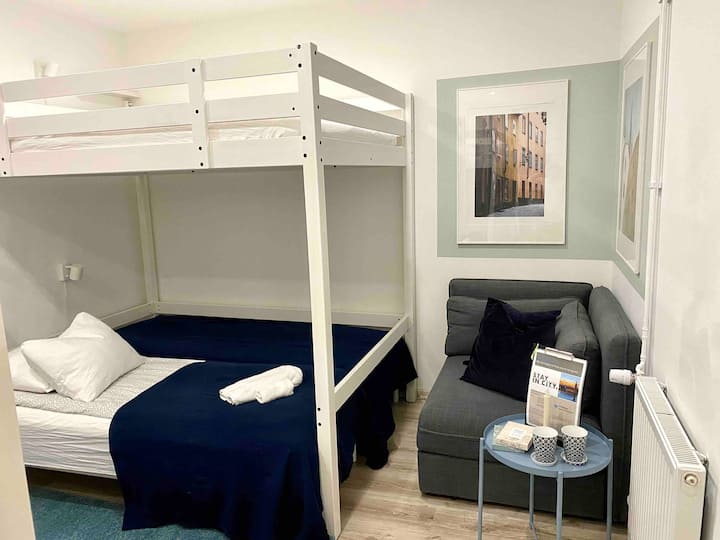 Semi-automatic mini-hotel (room #1)