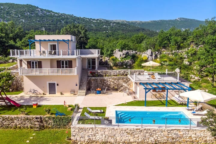 Villa Natura with private pool and zipline