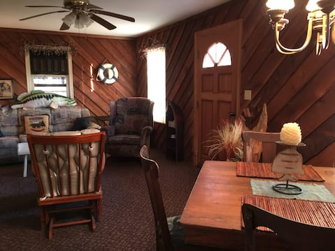 Cozy Cottage style 2BR Lakepoint & State Park