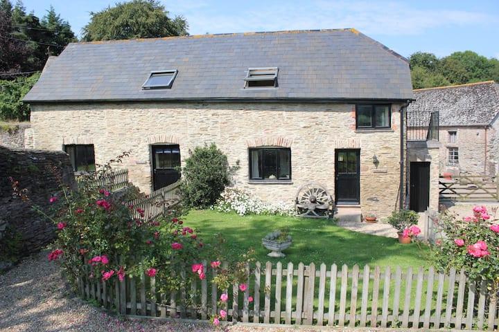 Allercott Cottages - Honeycott Cottage, sleeps 4