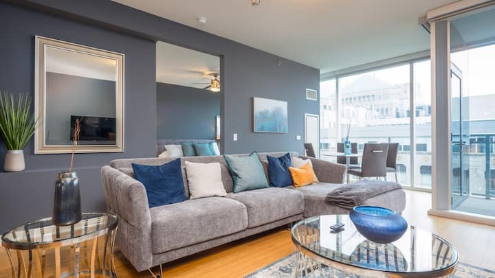 Feel the comfort and convenience in this lux 1BD, full kitchen