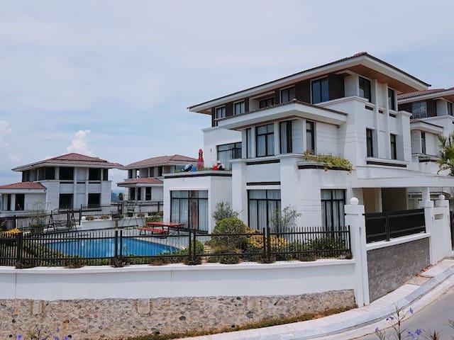 The villa 500m2:pool,bbq outdoor,Ha Long bay view