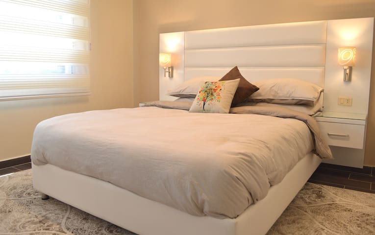 Royal Two Bedrooms Apartment, J06