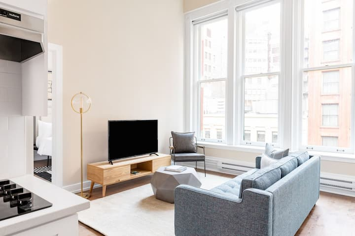 Sonder | The Loop | Downtown Apartment at Jewelers Row
