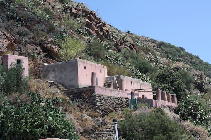 Spartanisch rustikales Bauernhaus: Casa Rosa