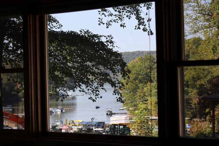 Cheat Lake cottage: short distance to WVU
