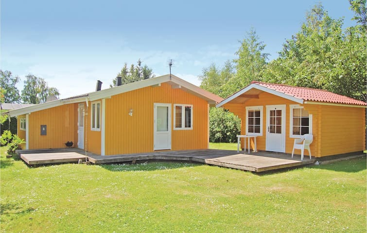 Holiday cottage with 3 bedrooms on 40 m² in Stubbekøbing