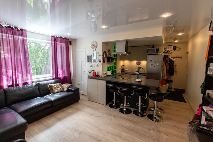 Charming central city Apartment with Peaceful view
