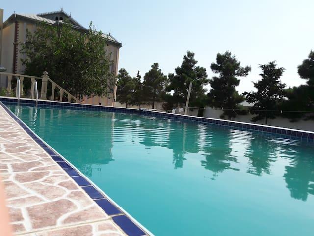 Cosy Villa with Pool located nearby to Beach - Baku - Villa
