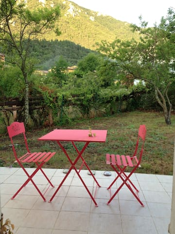 VILLAGE HOUSE WITH GARDEN/BEAUTIFUL VIEW-FREE WIFI - Belvianes-et-Cavirac