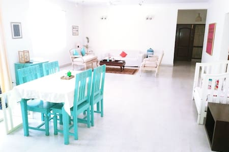 CHIC 3-BEDROOM APARTMENT IN THE HEART OF BANGALORE