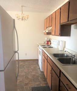 Furnished Beulah 2 bed, 1 bath apartment!