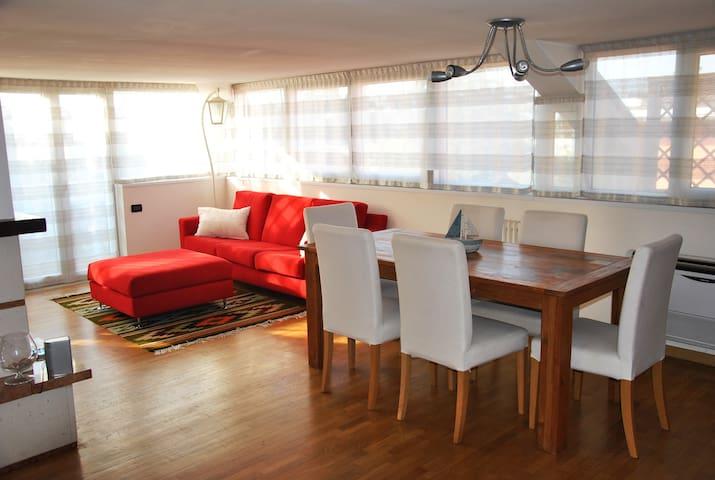 La mansarda più bella e luminosa vicino al centro! - Vicenza - Apartament