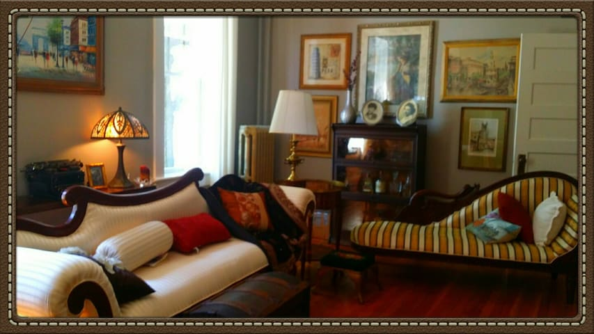 1875 Restored Victorian Mansion Private Suite - Chattanooga - Bed & Breakfast