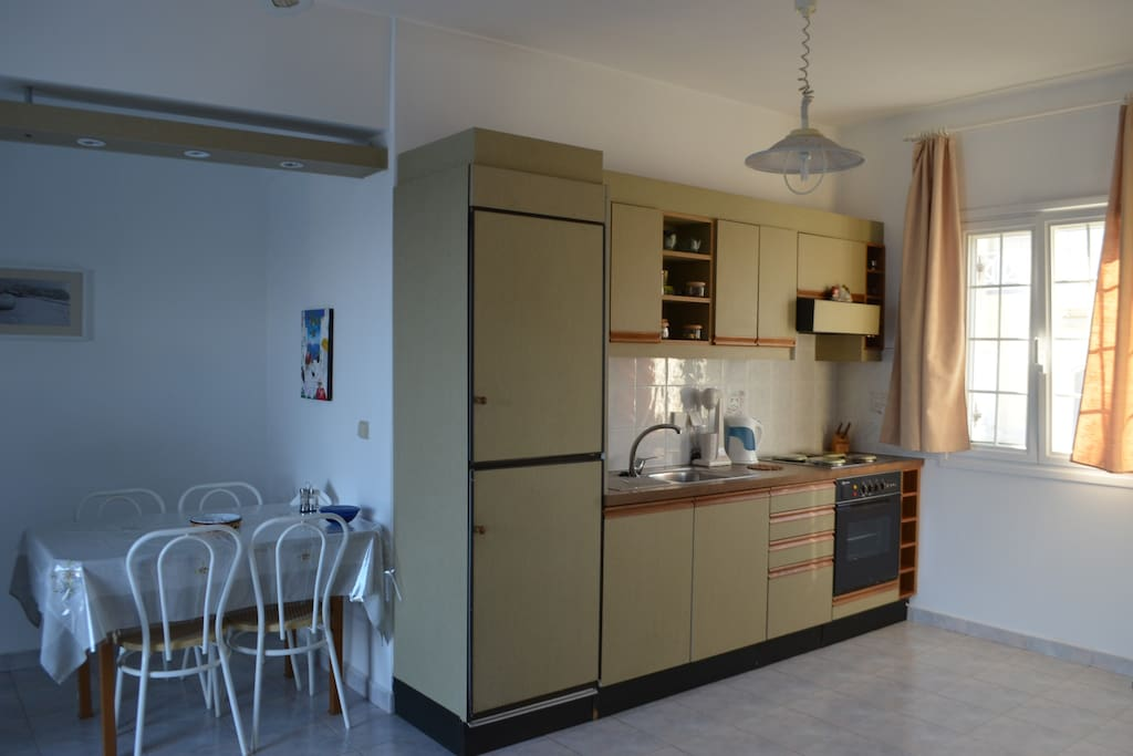 Η κουζινοτραπεζαρία μας