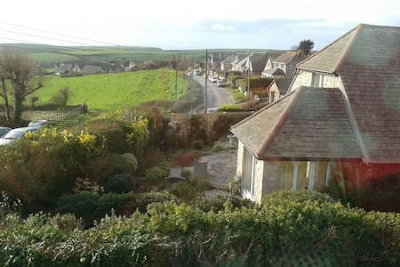 A Purbeck cottage with stunning views of the sea