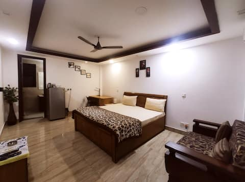 Rooftop Apartment SouthDelhi centrally located