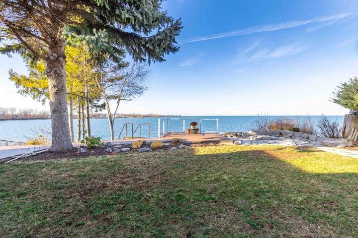 Malibu in Niagara-on-the-Lake