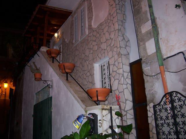 centro storico marino indipendente - Marino - Huis