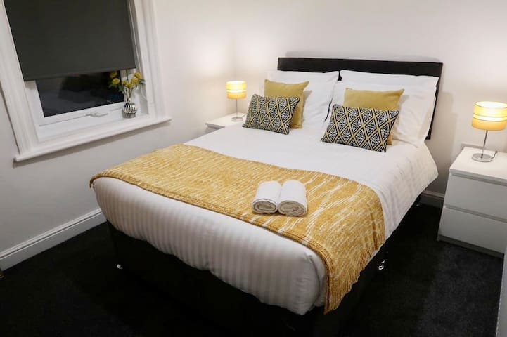 Newly refurbished first floor apartment -Blackpool