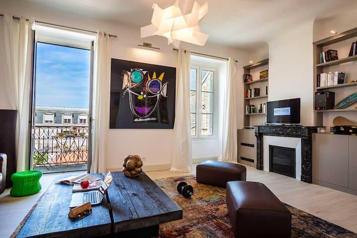 LES HALLES · KEYWEEK Appartement avec Parking coeur des Halles de Biarritz