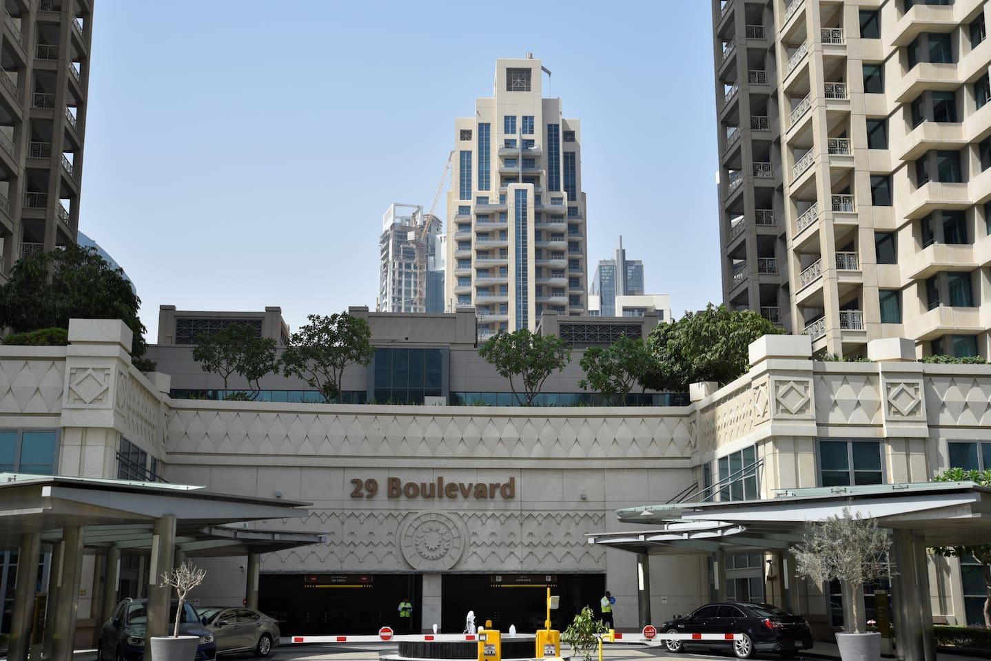 Main Entrance (Tower 2 entrance on left side)