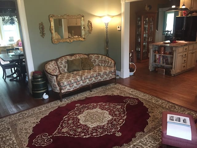 The Gourley Manor bed-and-breakfast
