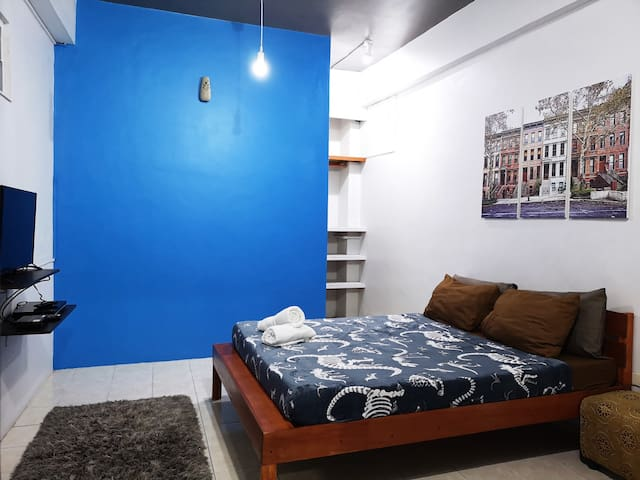Imagine yourself relaxing in this comfy 1 bedroom flat.